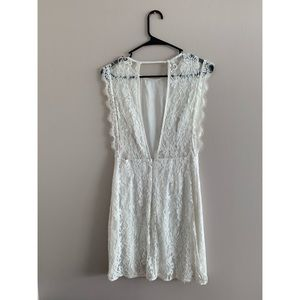 Urban Outfitters Dresses - 🌟2 for 15 Dresses🌟 White Lace Dress w/ Open Back